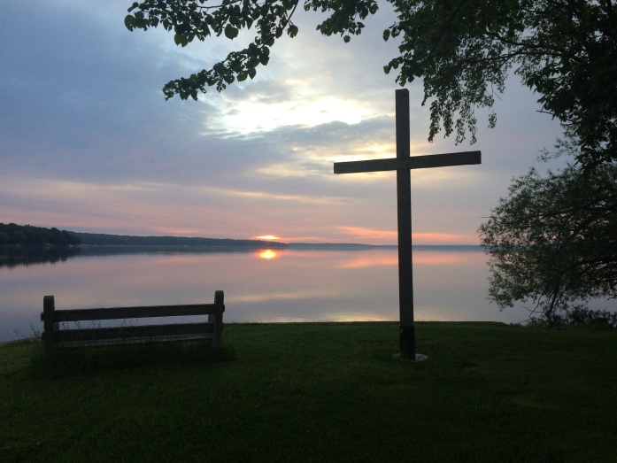 The cross at the shore